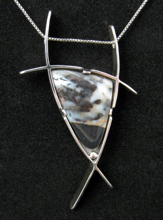 Bull Necklace - Dendritic Agate